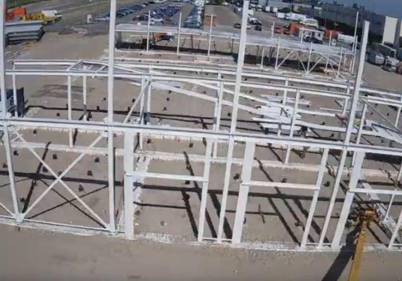 Timelapse 2e bouwfase: opbouw staalconstructie Audi Den Haag